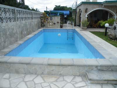 Private house casa balia y carlos east havana cuba for Casas con piscina en cuba